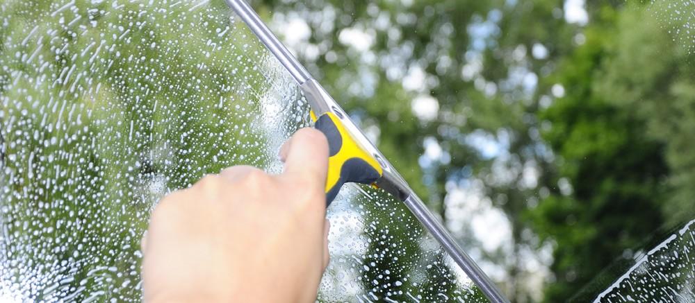 Mycie okien i witryn